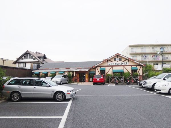 コメダ珈琲店の駐車場